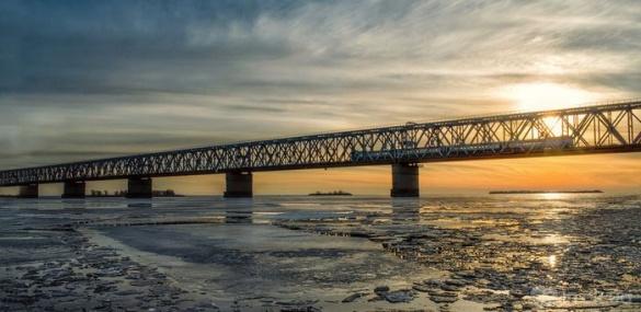 У патрульних пояснили, чому зранку на черкаському мосту виник величезний затор