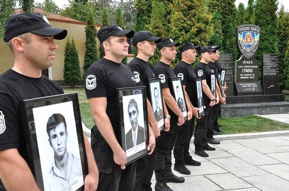 У Черкасах вшанували пам'ять загиблих працівників органів внутрішніх справ (ВІДЕО)
