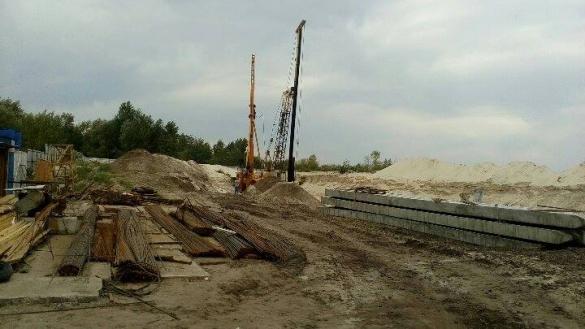 Представники забудовника погодилися зупинити будівництво у мікрорайоні Митниця за однієї умови