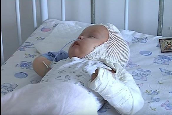 Черкащани просять небайдужих допомогти врятувати їхнього піврічного сина