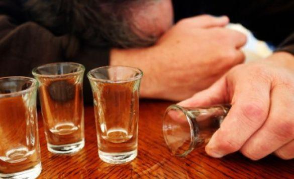 Застілля зі смертельними наслідками: черкащани потруїлися метиловим спиртом