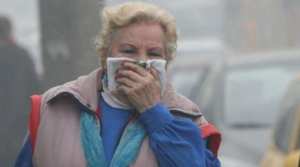 Жителі Черкас скаржаться на смог і запах аміаку (ВІДЕО)
