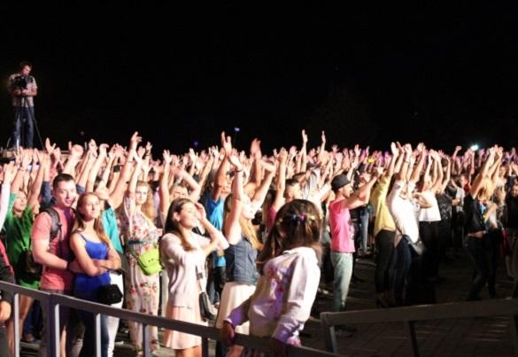 Чи викличуть на День міста поліцію, якщо концерт продовжать до ночі?