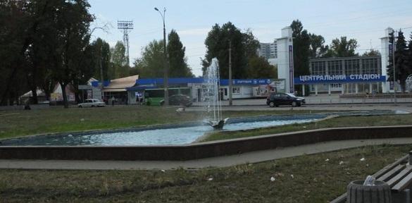 У Соборному сквері почистили фонтан (ВІДЕО)
