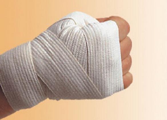 Намотали на руки бинти: у Черкасах жорстоко побилися школярки