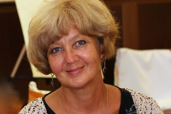 Черкаська викладачка потребує допомоги: у неї діагностували тяжку хворобу