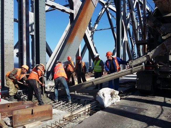 Губернатор Черкащини повідомив, коли завершать ремонт на проїжджій частині мосту
