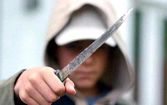 На Черкащині брат накинувся на сестру з ножем