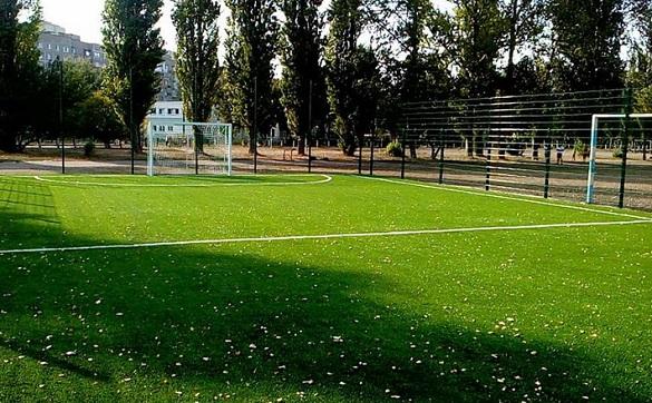 У черкаський школі з'явилося нове футбольне поле (ФОТО)