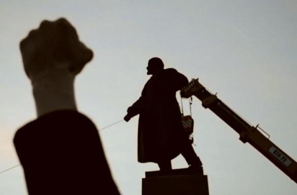 """""""Ленінопад"""" режисерки з Черкас став кращим документальним фільмом на всеукраїнському кінофестивалі"""