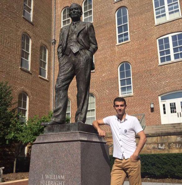 Черкащанин розповів як йому вдалося безкоштовно поступити на навчання у найпрестижніший університет США