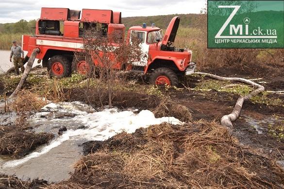 Масштабна пожежа на Черкащині: репортаж із місця події (ФОТО)