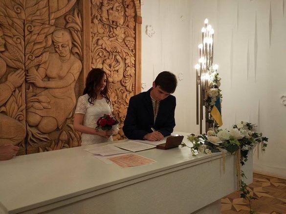Один із черкаських депутатів одружився (ФОТО)