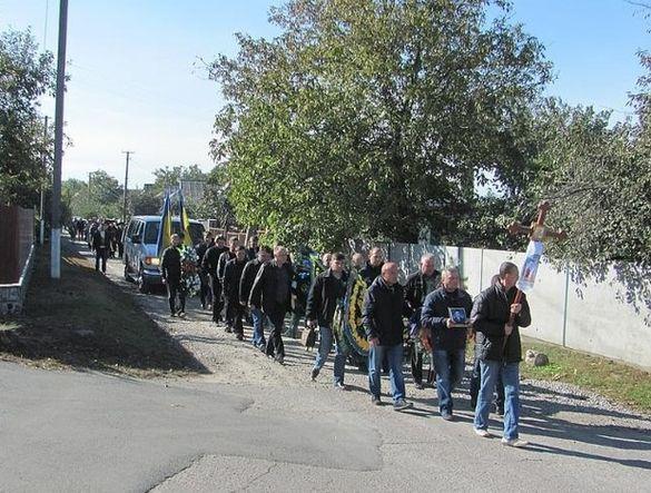 Постраждав від терористів на Сході: на Черкащині попрощалися із загиблим рятувальником (ФОТО)