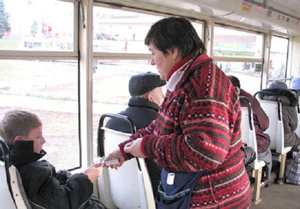 Черкащани збирають підписи, щоб зробити проїзд у маршрутках для школярів та студентів дешевшим