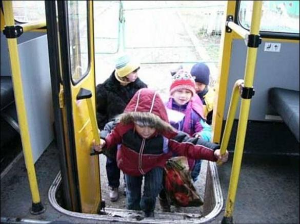 Черкащани підтримали пропозицію, щоб зробити проїзд у маршрутках для школярів та студентів дешевшим