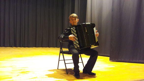 Юний музикант  повернувся до Черкас з нагородою престижного міжнародного конкурсу