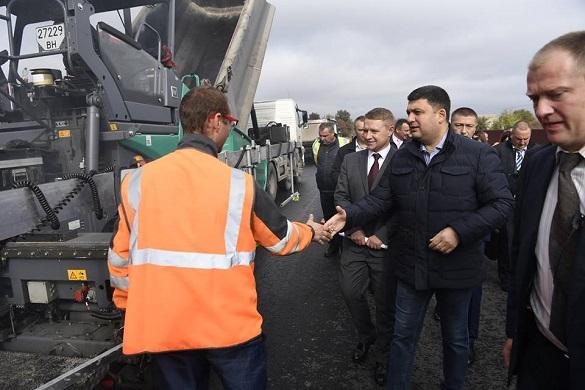 Гройсман відзвітував про перевірку ремонту черкаського мосту та доріг