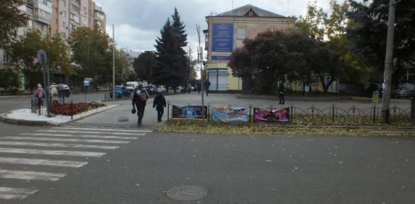 Міський простір Черкас знову псують вуличною рекламою (ВІДЕО)