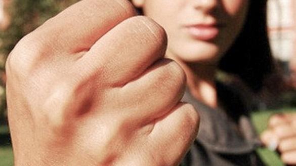 В Умані просто посеред дороги жінки влаштували бійку (ВІДЕО)