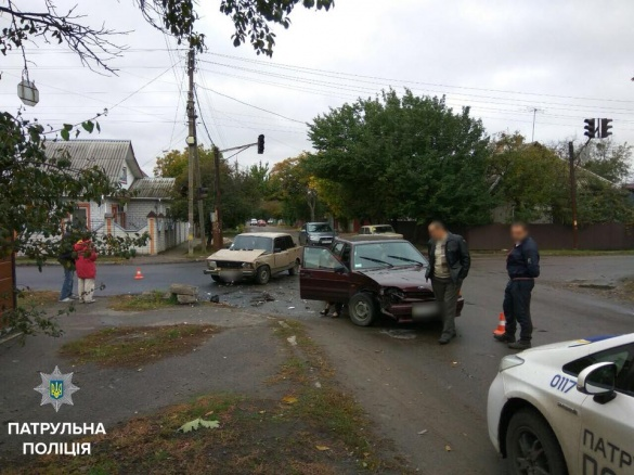 На перехресті Чіковані та Пастерівської сталася ДТП (ФОТО)