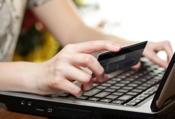 Студентка з Черкащини заробляла на життя шахрайством в Інтернеті