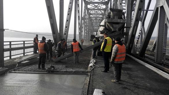 Сьогодні рух через черкаський міст розпочнеться пізніше