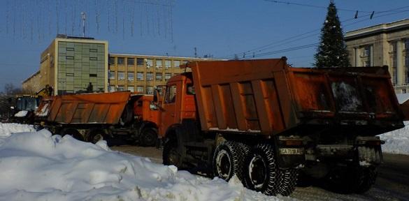 У Черкасах досі не провели тендер на зимове утримання доріг (ВІДЕО)
