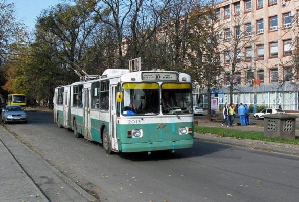 Сьогодні у Черкасах бульваром Шевченка громадський транспорт курсує інакше