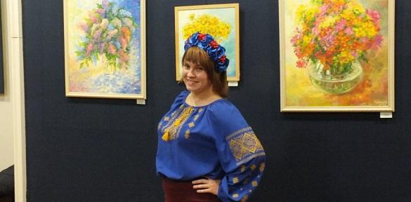 Черкаська художниця розмальовує похмурі дні яскравими фарбами