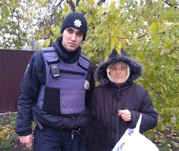 Черкаські патрульні повернули додому бабусю, яка не могла про себе нічого пригадати