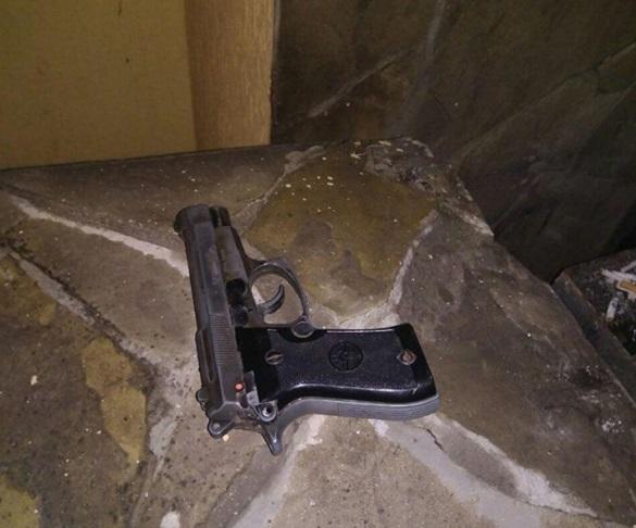 У Черкасах псевдополіцейський погрожував відвідувачам бару пістолетом