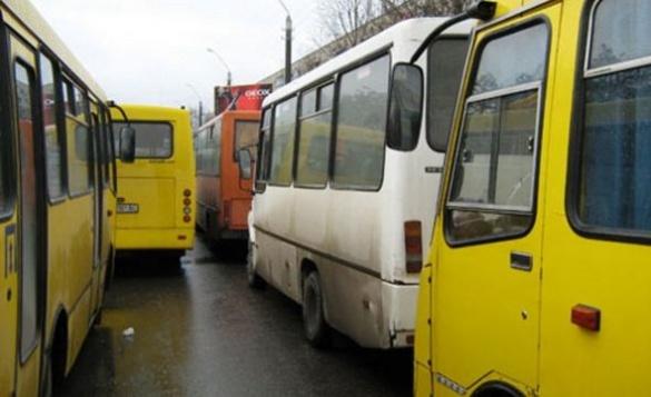 Автобусний перевізник відмовився обслуговувати один із черкаських маршрутів