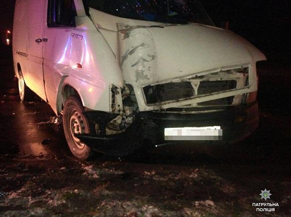 У Черкасах п'яний водій в'їхав у металеву опору: є постраждалі