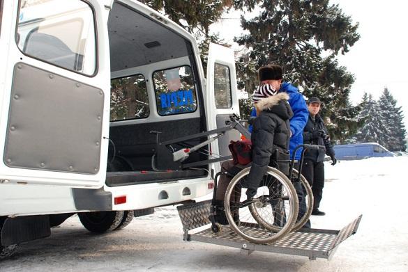 Соціальне таксі. Як на Черкащині перевозять людей з інвалідністю