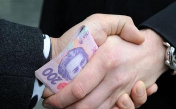 У Черкаській області арбітражний керуючий вимагав 50 тис. грн хабара