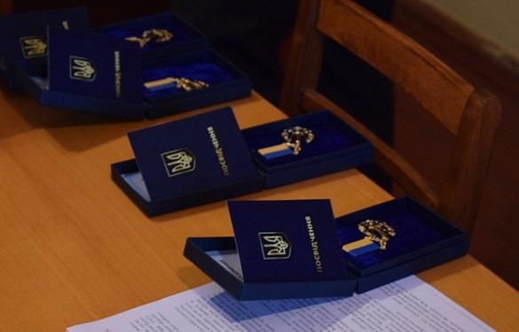 За честь і славу: черкаських військових відзначили державними нагородами (ФОТО)