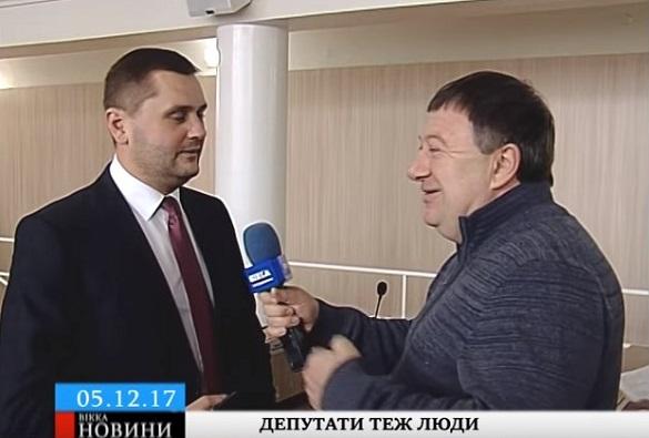 Перевтілилися: черкаські депутати спробували себе у ролі журналістів (ВІДЕО)