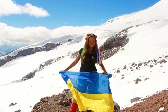 Підкорювачка Кавказьких та Гімалайських гір: черкаська альпіністка у походах дає фору чоловікам (ФОТО)
