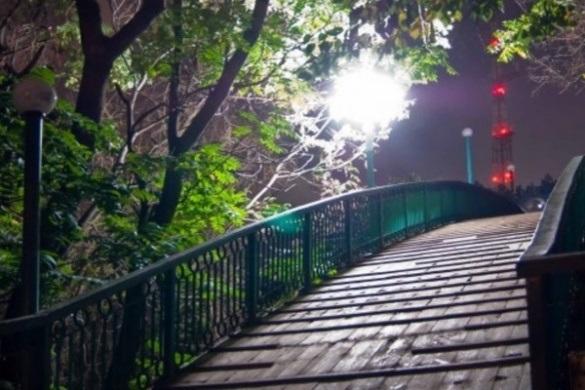На Мосту кохання у Черкасах ледве знову не сталася трагедія