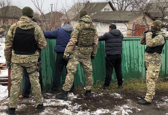 Наркотиків на 2.5 млн грн: на Київщині затримали групу злочинців, які продавали наркотики черкащанам (ФОТО, ВІДЕО)