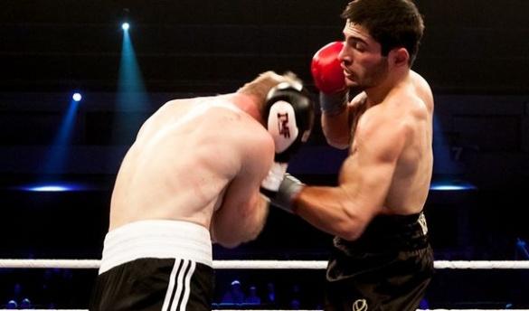 Черкаський боксер здобув чергову перемогу на професійному рівні