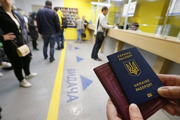 Півроку безвізу: черкащани облюбували ближнє зарубіжжя та оформили майже вдвічі більше паспортів