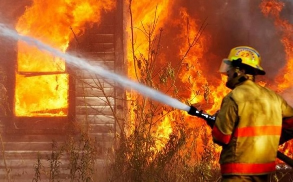 На Черкащині внаслідок пожежі чоловік отримав значні опіки (ВІДЕО)