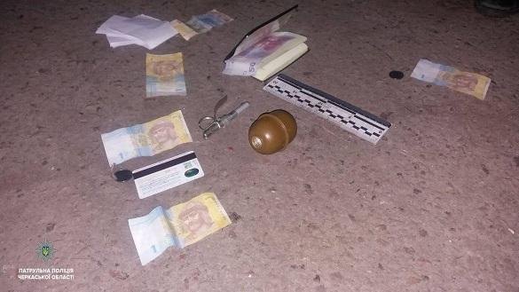 У Черкасах затримали чоловіка з гранатою та наркотиками (ФОТО)