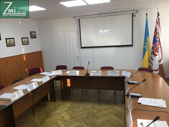 У мережі розмістили першу версію нового черкаського виконкому (документ)