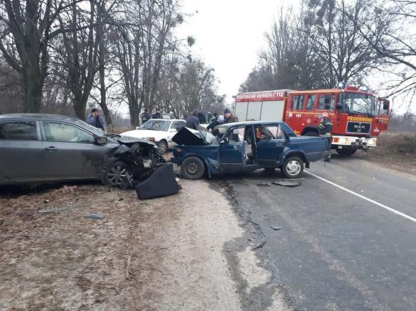 Вщент розбиті машини та шестеро постраждалих: на Черкащині сталася жахлива ДТП