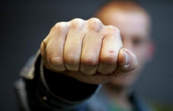 На Черкащині роботодавець побив у підсобці свою працівницю