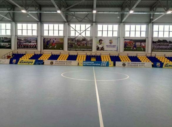 На Черкащині у відомій футбольній академії встановили трибуни