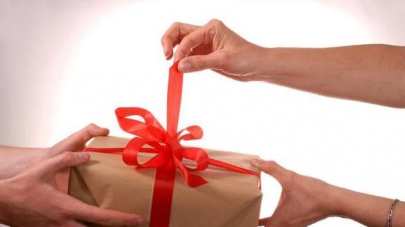 Черкащани розповіли, який найгірший подарунок вони отримували на День святого Валентина